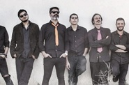 "THE SLINGSHOTS (Presentación ""Spread The Mud"") + The Crabtones"